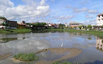 O Lago Fernando Lona está morrendo.