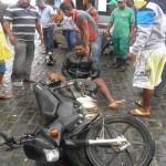 UBAITABA:  FALTA  DE SINALIZAÇÃO PODE TER   PROVOCADO ACIDENTE EM MOTOTAXISTA