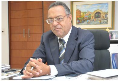 O Desembargador Olegário, sustenta que a vantagem da agregação é e que o juiz da comarca agregadora se torna juiz titular da comarca agregada