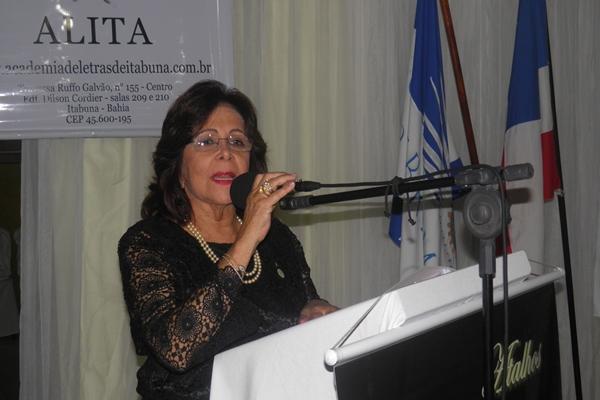 Sônia Maron falou em nome da Academia de Letras de Itabuna