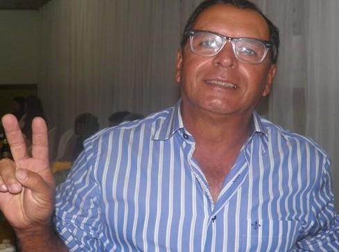 Almiro Mendes é engenheiro Civil em Uubaitaba