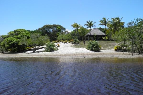 Água morna o ano inteiro, cabana e praia particular