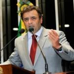 AÉCIO NEVES AFIRMA QUE ABRIRÁ MÃO DO SALÁRIO DE SENADOR