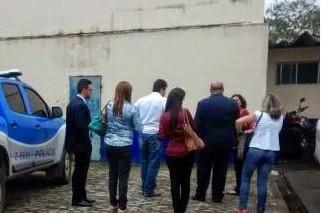 Representantes do MP estiveram no local para verificar a situação