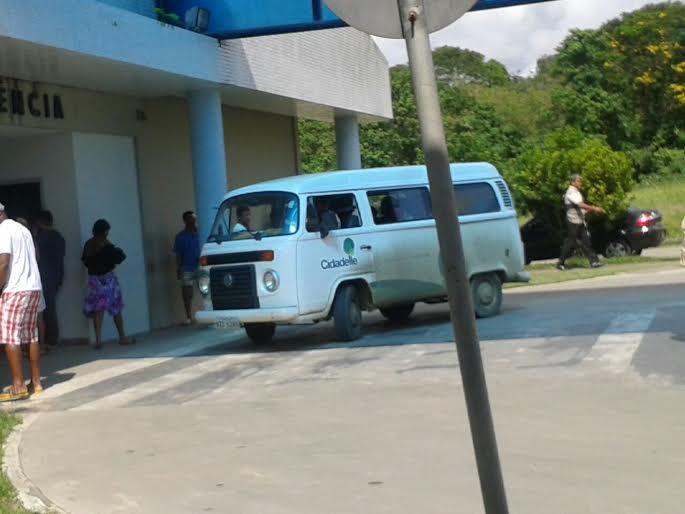 A kombi da empresa transportou os funcionários