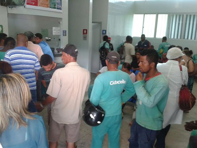 Os funcionários foram atendidos no hospital de base