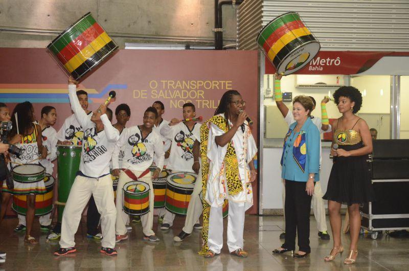 A presidente Dilmá grava programa às 14 horas com o grupo Olodum
