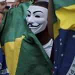 LEI QUE PROÍBE USO DE MÁSCARAS EM PROTESTOS EM S. PAULO É SANCIONADA