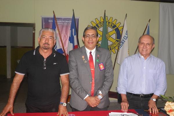 O governador  do Distrito, Danilo, foi recepcionado pelos companheiros, Humberto Hugo, Kedede e toda família  rotária