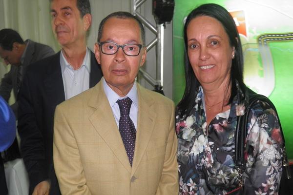 A prefeita de Maraú, gracinha Viana  fcumprimentou o Ministro.
