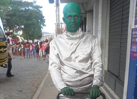 """O ator Uemes da Hora, se caracterizou para homenagear o """"07 de Setemnbro"""