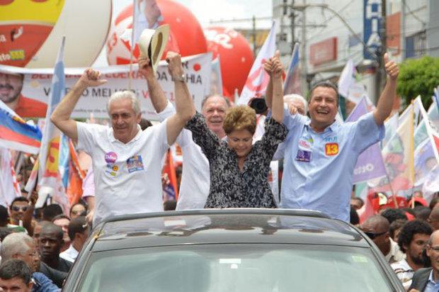 Dilma em carreata ao lado dos Candidatos, Rui Costa e Otto alencar