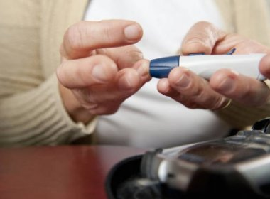 O excesso de glicose e de insulina, decorrente da diabete, pode danificar essas regiões do cérebro