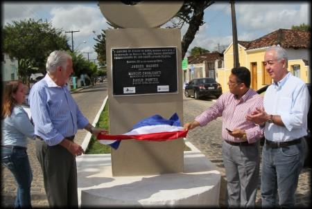SApão e Governador inauguram obra (Foto: Valdir Santos/Ubatã Notícias)