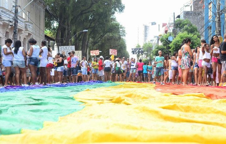 A multidão seguiu até o Campo Grande