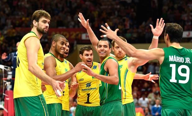 Satisfeito com a estreia do Brasil, o técnico Bernardinho fez elogios ao desempenho da seleção