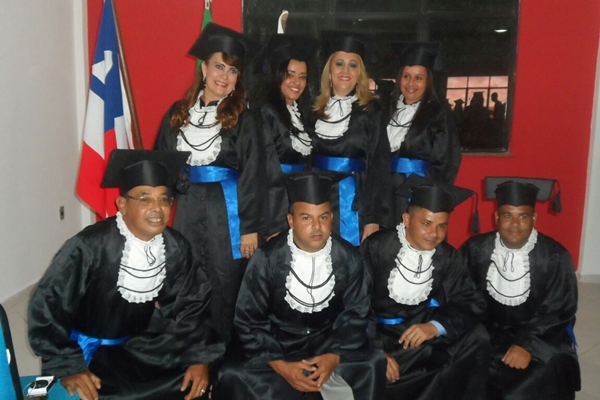 Os graduados : Luiza Vasconcelos, Maressa Farias, Rosa Cavalcante, Rosilda Borges, Mario Rui de Carvalho Costa,Jaime Felix, Nerildo Santos, Márcio Rogério e Ana Maria.