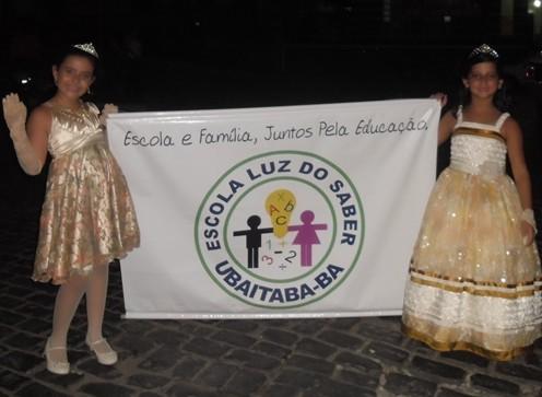 As princesinhas,  as belas Júlia Magalhães e Lara Carneiro Guimarães estavam bem caracterizadas