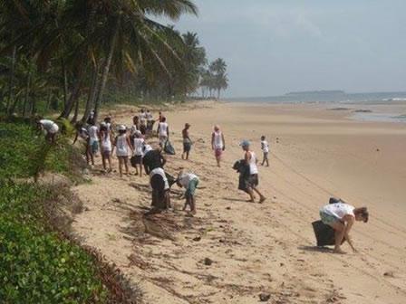 O evento  acontece no mundo todo no dia 21 de setembro, conhecido como O Clean Up The World ou Limpando o Mundo