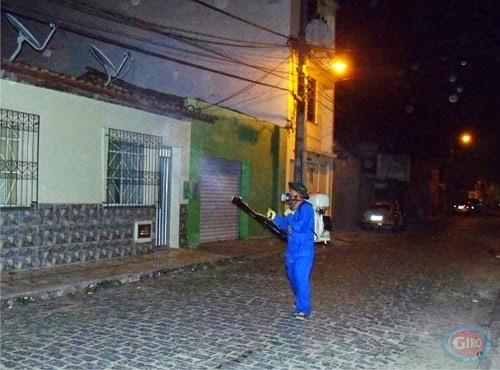Prepostos da Sucam realizam ação preventiva contra eventual presença do mosquito.(Foto:Giro em Ipiaú)