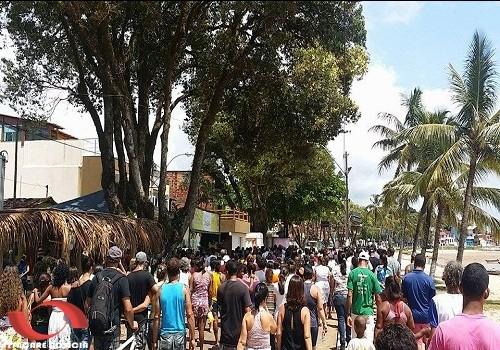 Centenas de pessoas acompanharam o sepultamento