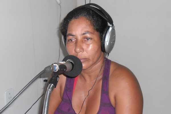 Dona Ednei denunciou as agressões sofridas por por ela e seu filho menor