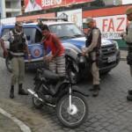 UBAITABA: PM REALIZA OPERAÇÃO NO CENTRO DA CIDADE