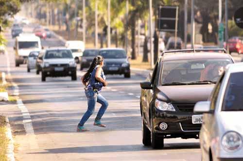 Má conduta de pedestres tem causado muitos acidentes de trânsito
