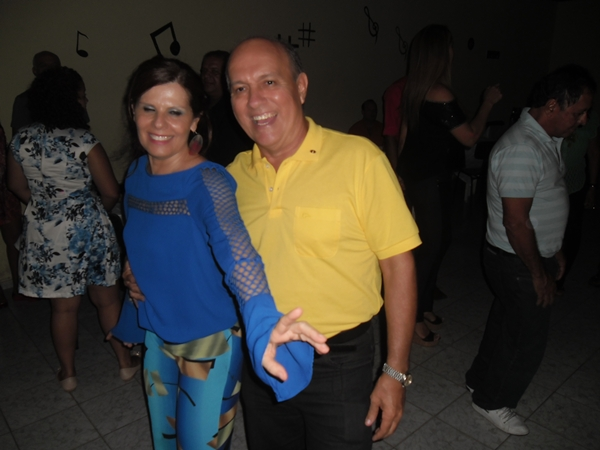 O casal Elied/Kekede não perdeu tempo no salão
