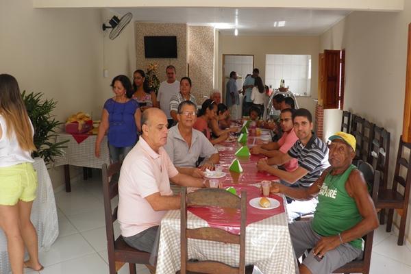 O Café da manhã reuniu dezenas de amigos e familiares de Gildásio