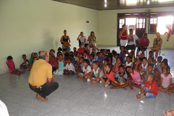O presidente do Rotary Kekede Soares, ficou emocionado ao falar sobre o Natal com as Crianças