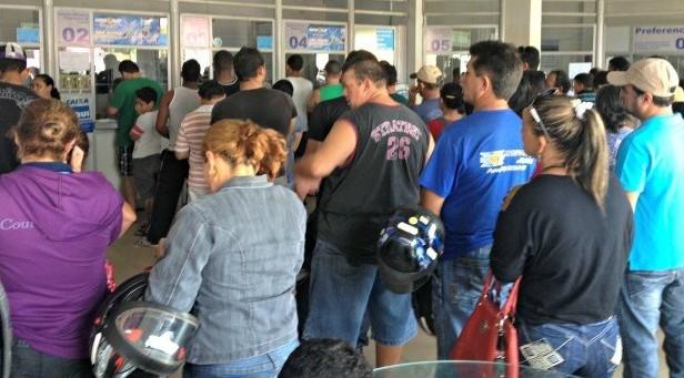 As casas lotéricas de todo Brasil estão lotadas para