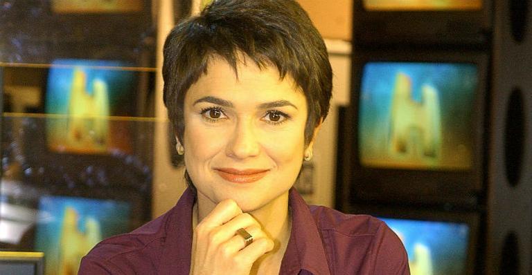 A apresentadora Sandra Annenberg do 'Jornal Hoje A jornalista teve um corte profundo no rosto e levou 30 pontos.