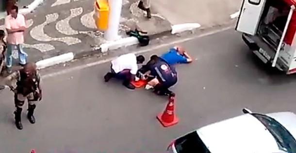 Saulo foi atendido por ambulância do Samu e levado ao Hospital do Aeroporto (Foto: Reprodução)
