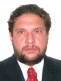 Identificado como Roberto João Starteri Sampaio Filho, ele está detido na Central de Flagrantes, no Iguatemi