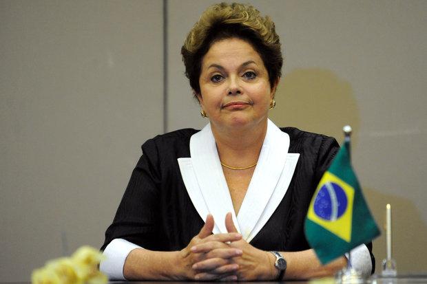 Dilma elogiou a lealdade do PSD, que foi o primeiro a anunciar apoio à reeleição da petista no ano passado, antes mesmo de o PT declarar oficialmente sua candidatura