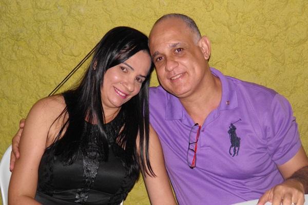 O casal participa dos eventos sociais do rotary