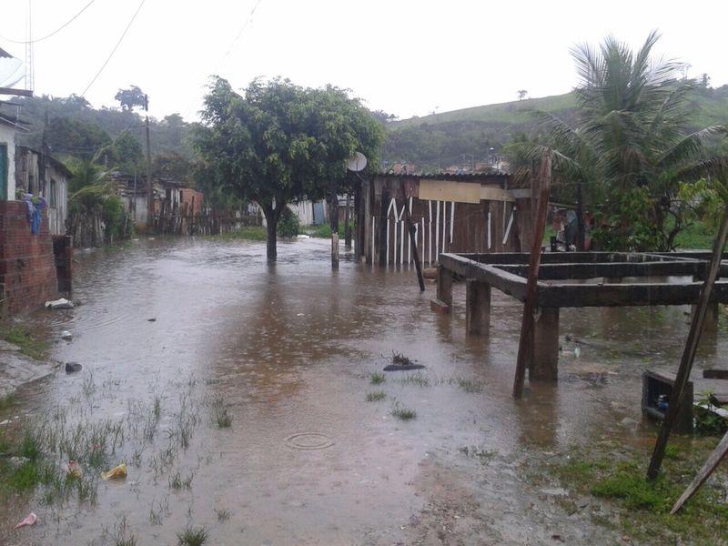 A cidade de Almadina sofreu com as fortes chuvas