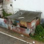 UBAITABA: CASEBRE ABANDONADO  NO CENTRO DA CIDADE ASSUSTA MORADORES