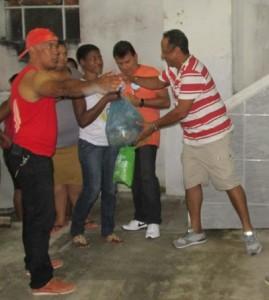 O comerciante Landual do Brandão liderou a equipe organizadora atuou com agilidade na entrega das cestas