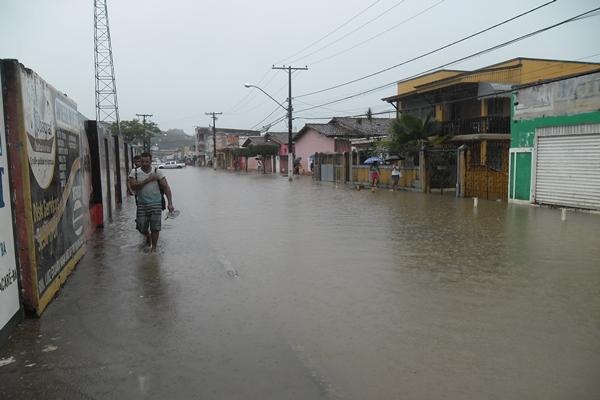Ubaitaba, Avenida Vasco Neto,  principal entrada da cidade, ficou  interditada nesta quinta