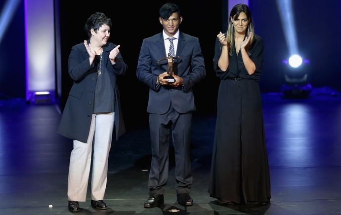 Isaquias Queiroz e Ana Sátila são eleitos os melhores canoístas de 2014