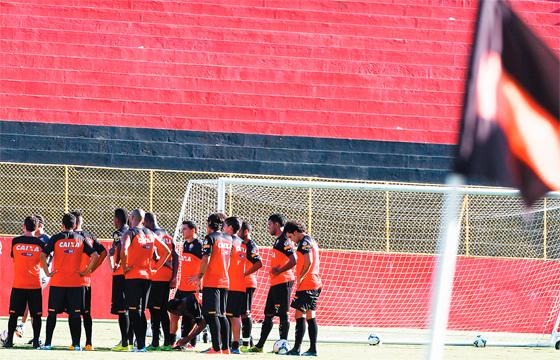 O nome ainda não está definido, mas o sucessor de Ney Franco como treinador do Vitória será definido até sexta-feira