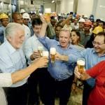 POR SUSPENSÃO DE FIANÇA PARA FÁBRICA NA BAHIA, DONO DA ITAIPAVA DOOU R$ 17,5 MI A CAMPANHA