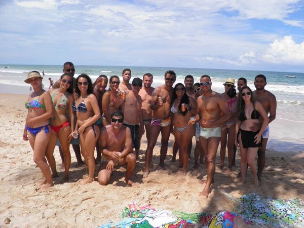 O encontro foi na praia antes do bloco sair pelas ruas