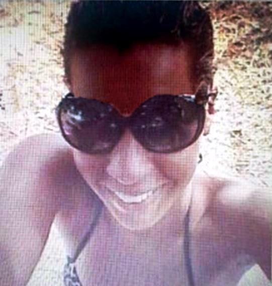 Carla Silva Santos, de 22 anos, foi esfaqueada durante uma discussão com uma mulher, de prenome Thais