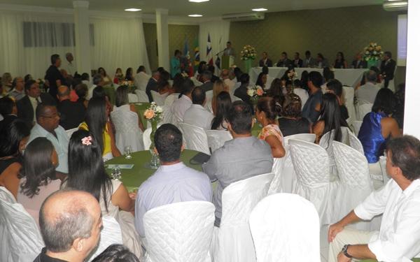 Centenas de convidados  lotaram o auditório  para prestigiar a posse da diretoria da CDL