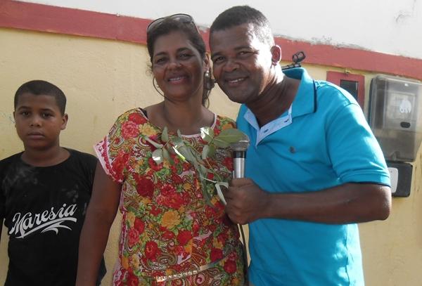 A secretária Executiva, Norma Ribeiro durante o show do cantos Rony Seresteiro