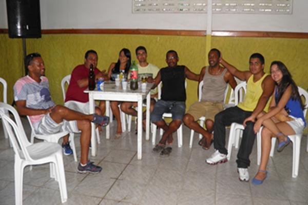 Os amigos de David, Ed Bar, Os barbeiros Pàulo e Nerildo marcaram presença na festa