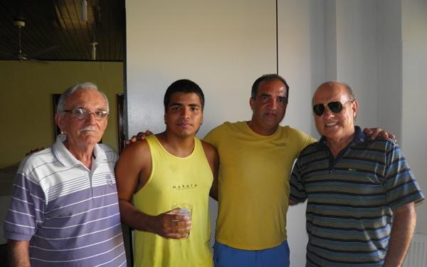 David   foi abraçado pelos empresários, Jaílton. Marinaldo e Keked